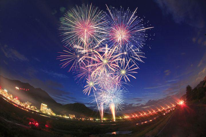 冬に花火が楽しめる?「とっておき冬花火大会&冬のよさこいソーズラ祭り」開催!