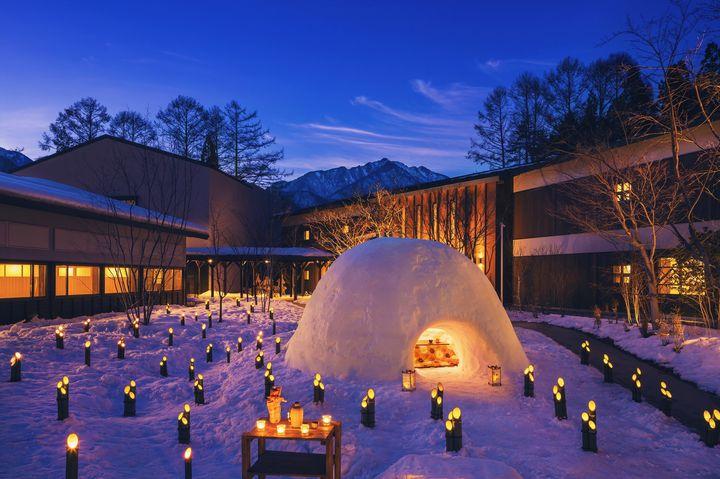 """誰もが憧れる冬の風物詩。星野リゾート「界」津軽&アルプスで""""かまくら体験""""開催"""