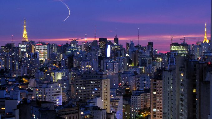 サンパウロははブラジルのなかでも工業・商業・金融の中心地であるとともに、気候、土壌にも恵まれているためオレンジ、サトウキビ、コーヒー、大豆などの栽培が盛んで農業もまた発展している。