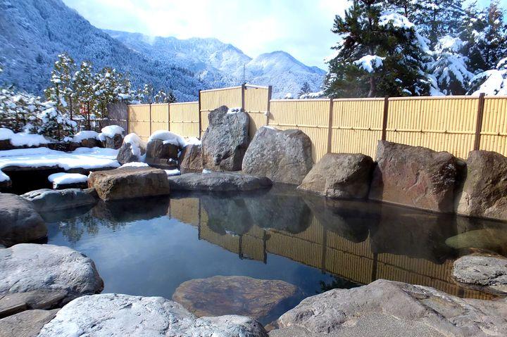 飛騨温泉郷の温泉地。栃尾温泉でイルミネーション「奥飛騨冬物語」を楽しもう