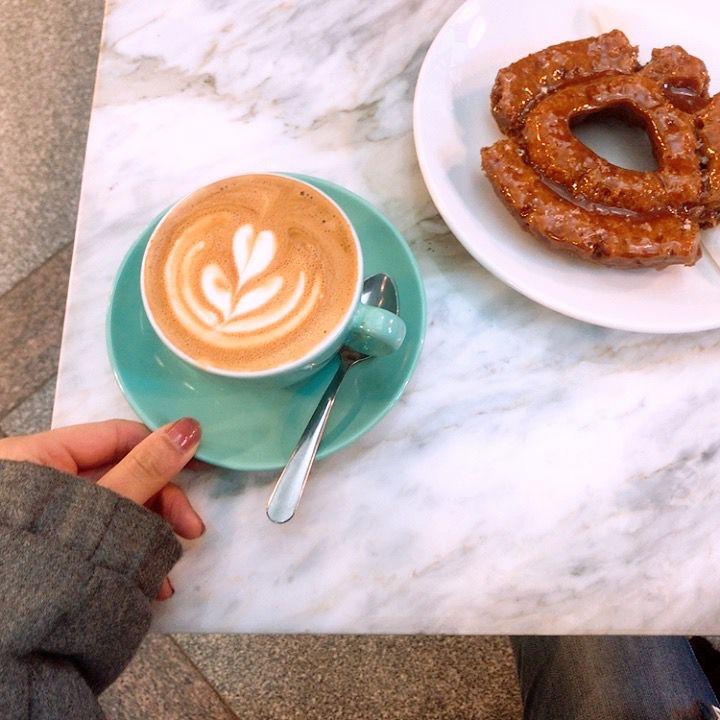 コーヒー片手にのんびりと。カナダ・バンクーバーのおすすめカフェ