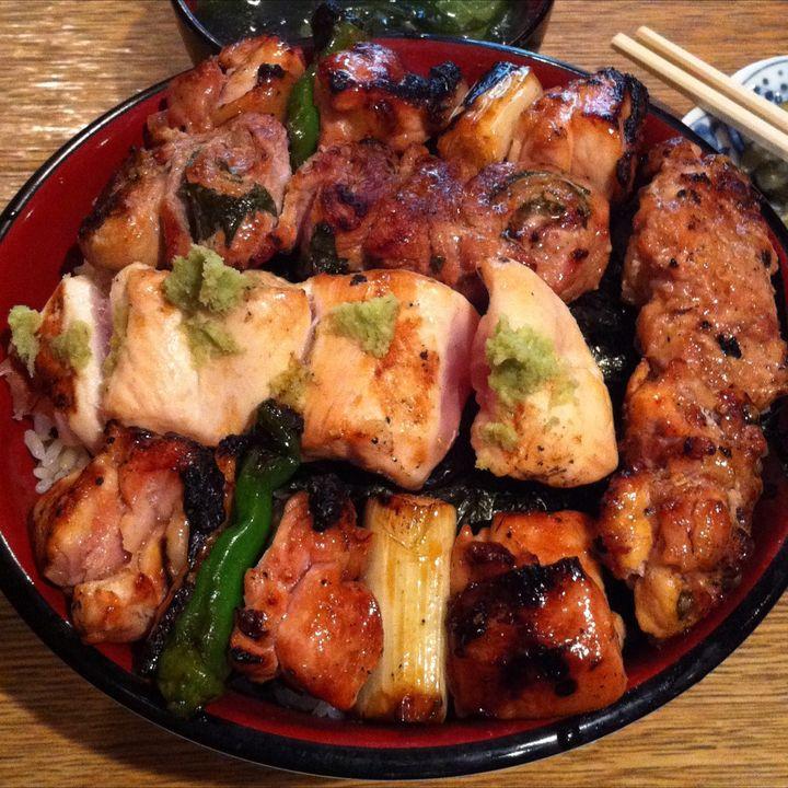 究極のやきとり丼!東京都内でガツンと最強に美味い「焼き鳥丼」5選