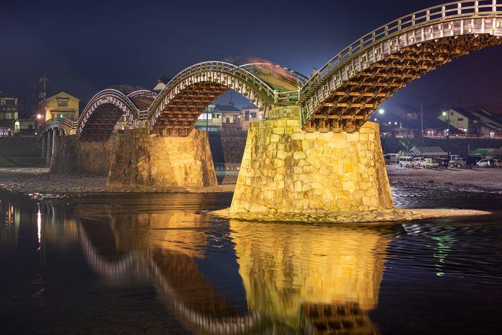 【開催中】【一時中止中】日本三大奇矯の一つ。山口県の「錦帯橋」にて幻想的なライトアップ開催