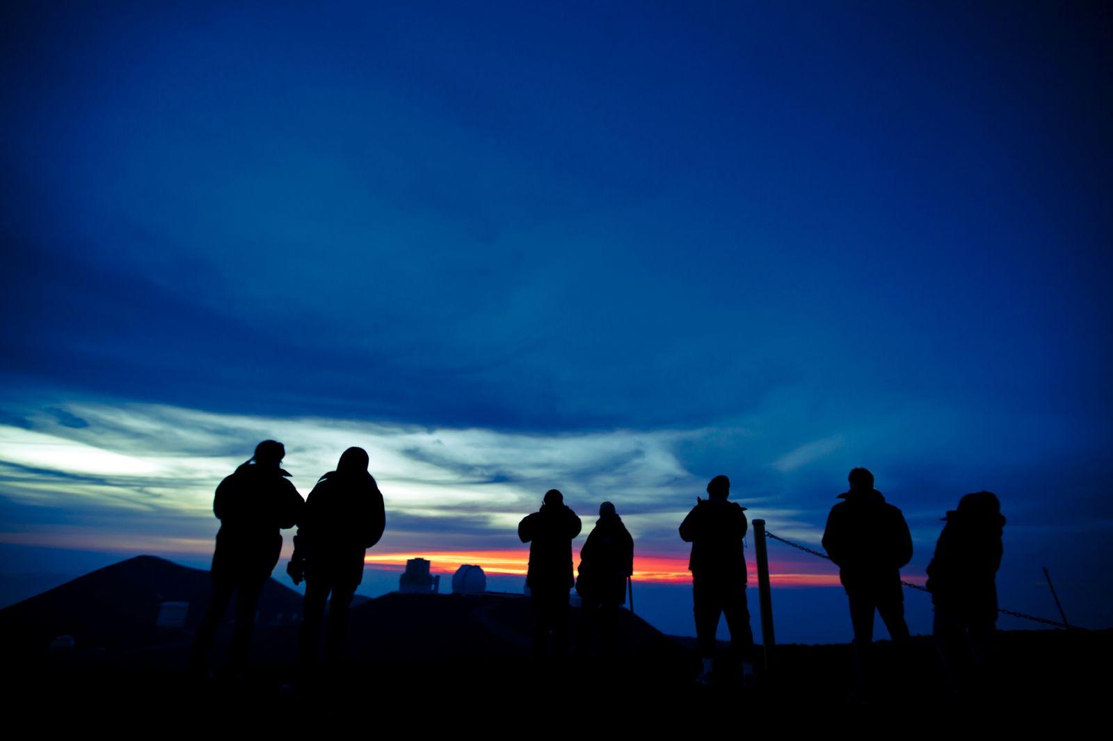 満天の星空に包まれる!一度は行きたいハワイ島「マウナケア」の魅力とは