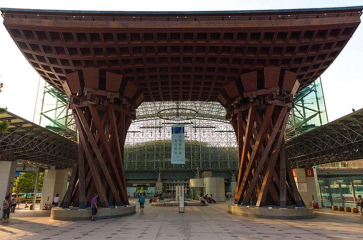 石川の中心地の金沢駅にはかわいい雑貨屋さんがいっぱいありますよ。