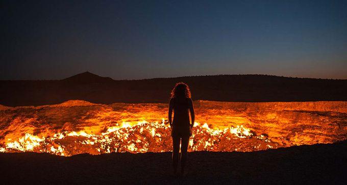 燃え続ける大地の穴!トルクメニ...