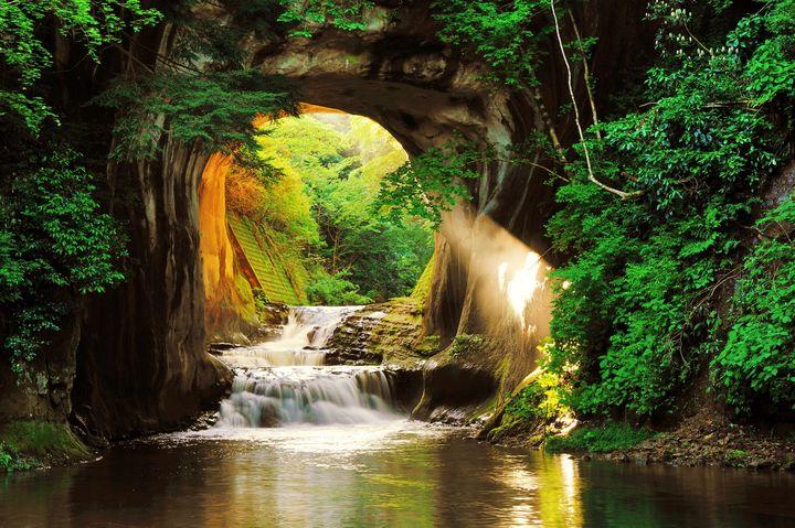 まるでジブリの世界!千葉県にある隠れた秘境「濃溝の滝・亀岩の洞窟」知ってる?