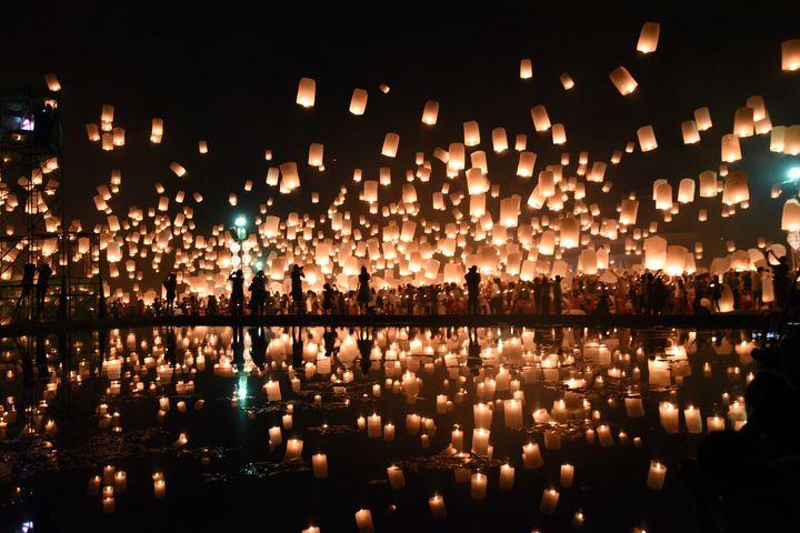 【日程決定】ラプンツェルの絶景が見たい!タイの「コムローイ祭り」行き方まとめ