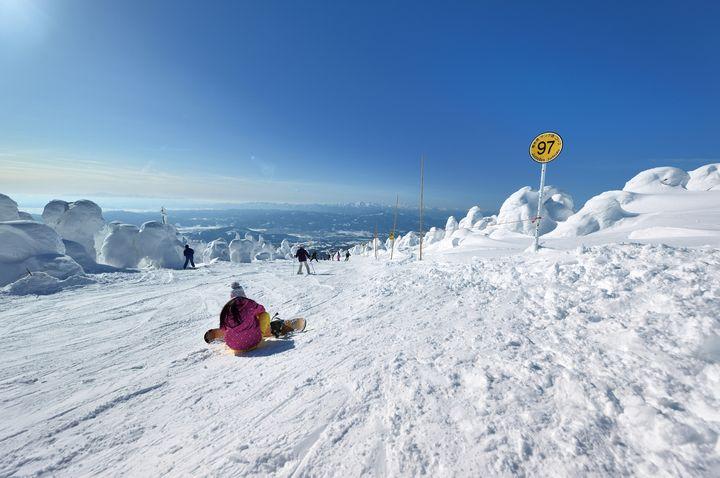 そうだ、ゲレンデに行こう!都心から行ける人気「日帰りスキー場」10選