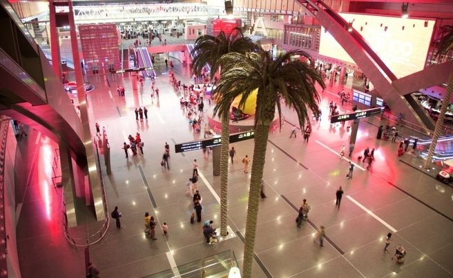 中東の豪華巨大空港!ドーハの「...
