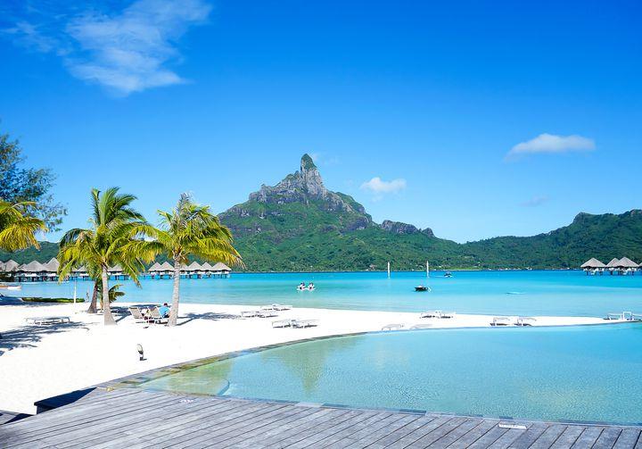 贅沢なバケーションを!美しすぎるボラボラ島のホテルランキングTOP15