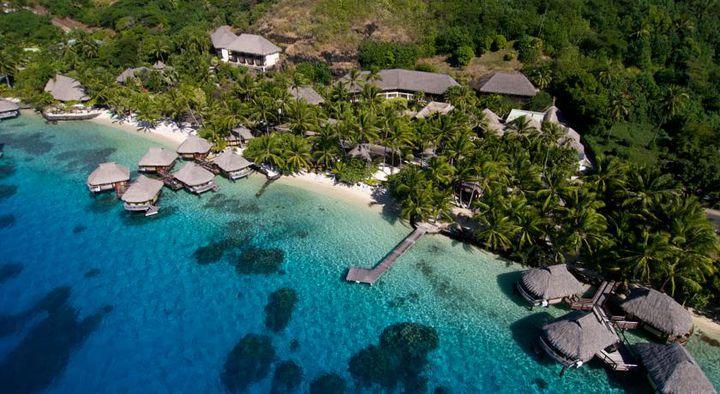 """バケーションといったらここ!ハネムーンにもおすすめしたい美しき""""ボラボラ島""""の人気ホテルランキング第13位は、「Maitai Polynesia(マイタイポリネシア)」。こちらのホテル「マイタイポリネシア」はリーズナブルな価格で宿泊できる憧れの水上バンガローです。見渡す限り海の水上バンガローはとても人気でおすすめです。ボラボラ島南部のマティラ・ポイント・ビーチを優雅に眺めることができるホテルです。"""
