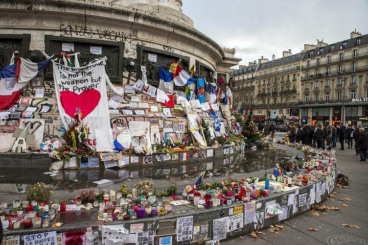 テロ後のパリの様子