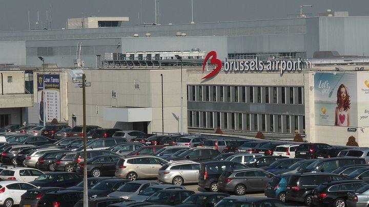 ブリュッセル国際空港です。ロゴマークのBがハートに見えます