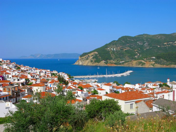 """映画『マンマ・ミーア』の舞台!ギリシアの""""スコペロス島""""が魅惑的すぎる"""