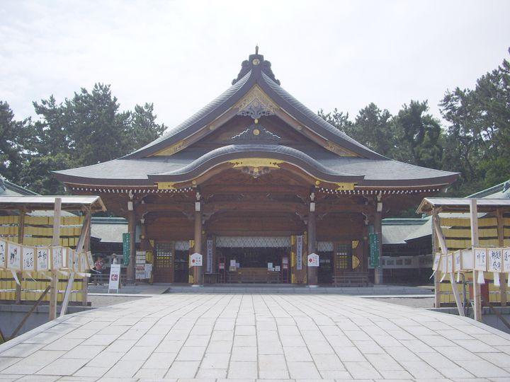 新潟に関係する殉国のご英霊を祀り、初詣では多くの参拝客で賑わう歴史ある神社です。