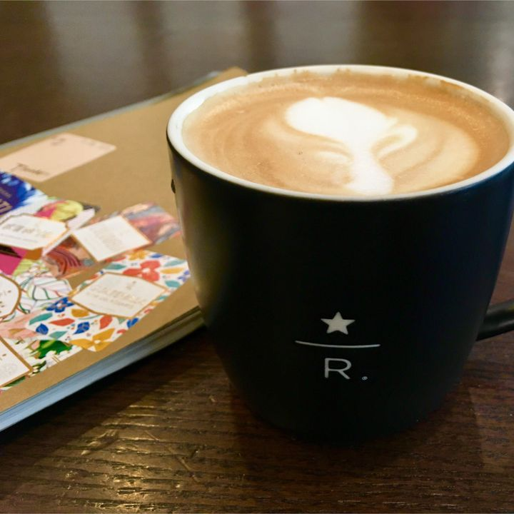 スタバにいるコーヒーの専門家「ブラックエプロン」を徹底解説!