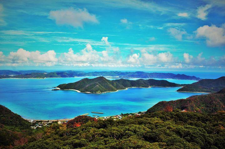 東京から片道3000円!奄美大島が「天国に一番近い島」と言われる5つの理由                 このまとめ記事の目次
