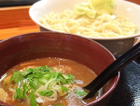 人気お笑い芸人が通い詰める!つけ麺や「澤神」が美味すぎると評判