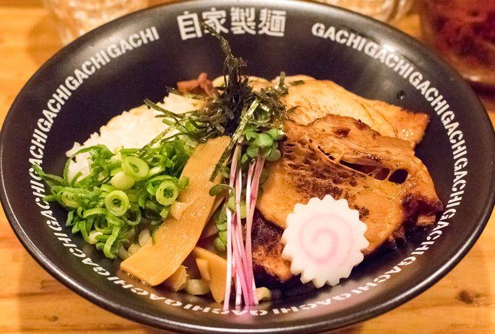 """その油に、タレに、あぁ溺れたい。東京都内の""""美味しすぎてご麺ね""""な油そば7選"""