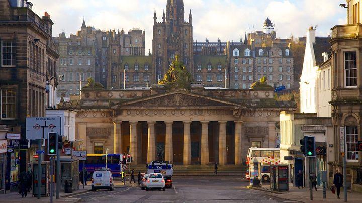 スコットランドやヨーロッパの名画が無料で観れる人気のアート・ミュージアム