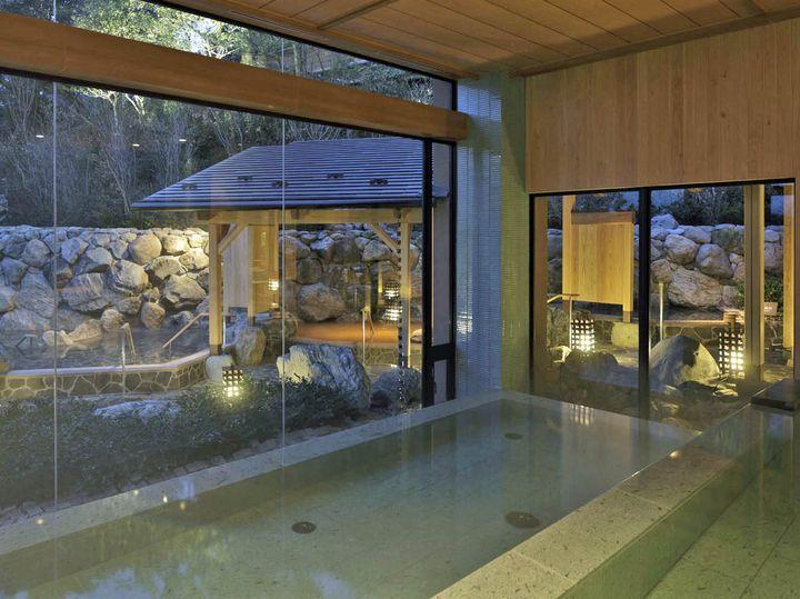 温泉は最上階の展望大浴苑だけでなく、家族風呂や大浴場などもあり充実しています。