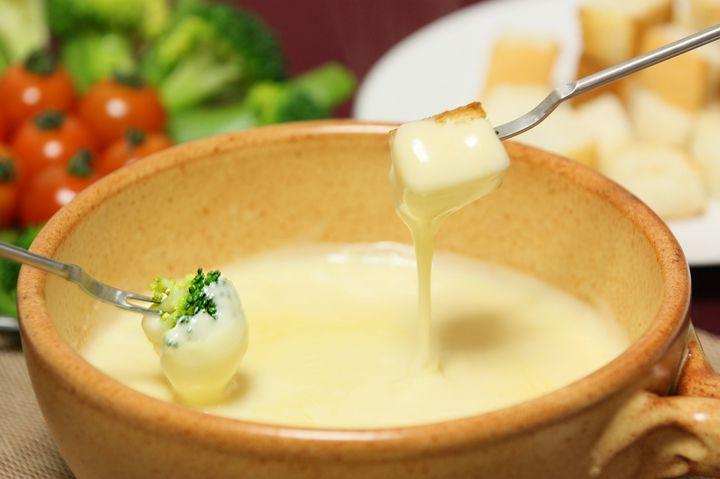 チーズ好き必見!東京都内で極上の「チーズ料理」が味わえる名店4選