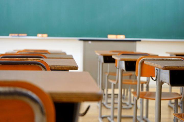 女子生徒のパンツの色は指定です!世界の面白い「学校の校則」まとめ