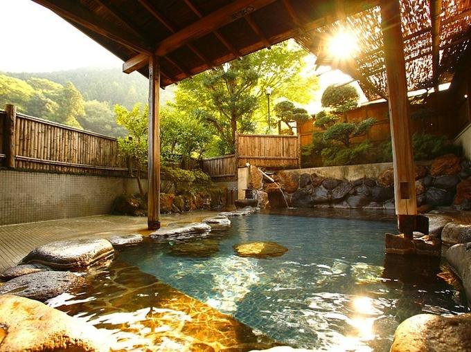 さらなる安らぎを求めて。全国のオススメ源泉かけ流し温泉5選