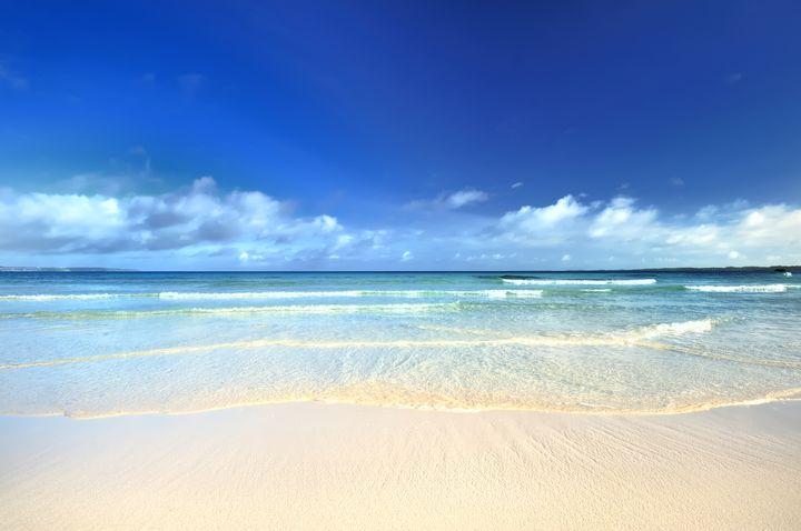 沖縄がまさかの首位没落!この夏行きたい「日本の絶景ビーチ」TOP10