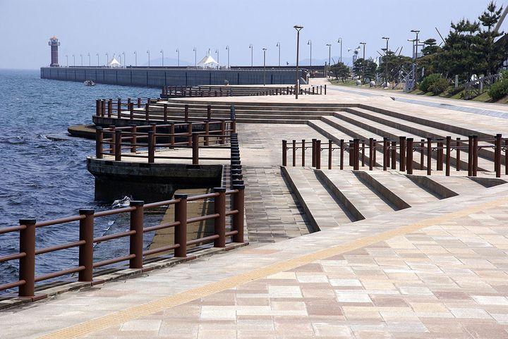 高松港にある、階段式護岸の愛称。
