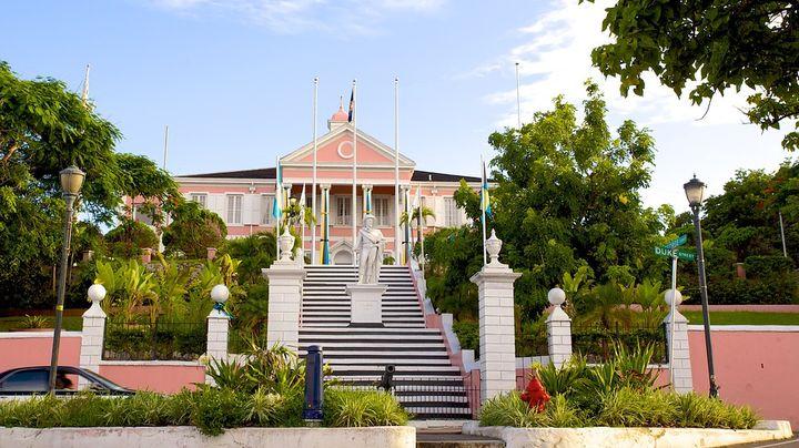 200年以上の歴史を持つ植民地風ジョージアン建築の総督公邸