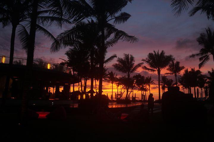 バリから30分で別世界!サンゴ礁と森に囲まれた秘島「レンボンガン島」とは