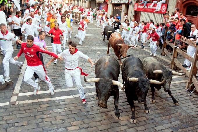 命懸けのお祭りも?スペインの最高にエキサイティングな祭り7選