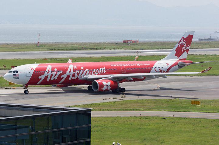 日本でもおなじみ、アジア初のLCCであるエアアジアでは、日本各地からクアラルンプールまでを結んでいます。便数も多く、スケジュールを立てやすいのでおすすめです。発着地は下記のとおり(2017年3月現在)。羽田-クアラルンプール:週7便成田-クアラルンプール:週4便関空-クアラルンプール:週5便札幌-クアラルンプール:週4便