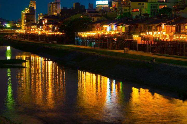 """大人女子が夢中になる街!""""京都・鴨川""""のんびり旅の素敵な魅力"""
