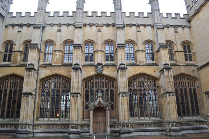 【世界のユニーク大学】ハリーポッターの世界!University of Oxford(オックスフォード大学)が素敵すぎる!