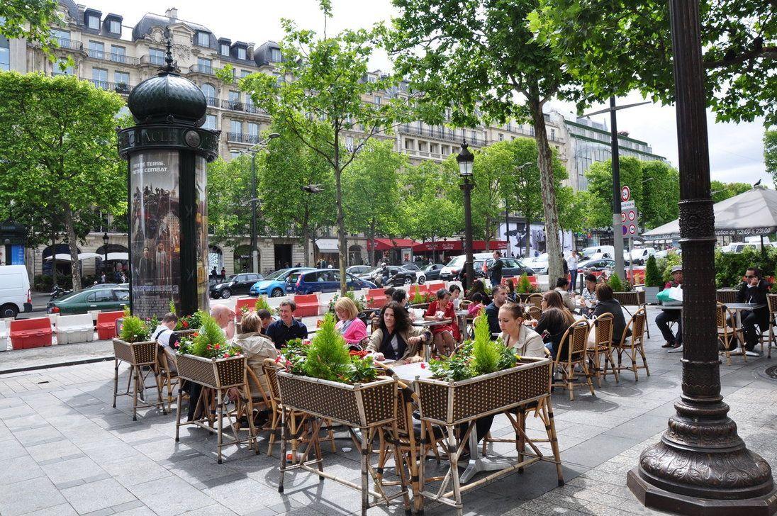 【絶対に外せない】憧れのパリのシャンゼリゼ通り 5枚目の画像