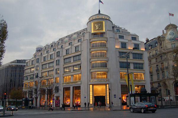【絶対に外せない】憧れのパリのシャンゼリゼ通り 2枚目の画像