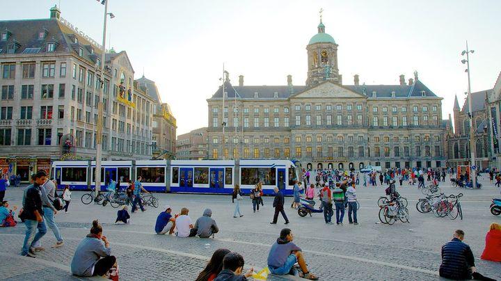 アムステルダムの中心地。観光巡りの起点にももってこいなおすすめ観光スポットです。