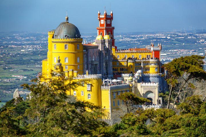 カラフルなお城が可愛すぎ!ポルトガル「ペーナ宮殿」の魅力をたっぷりとご紹介