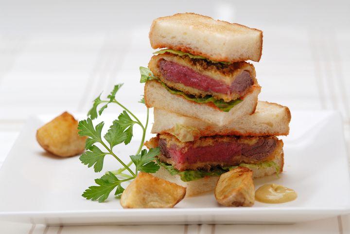 牛かつを1番美味しく食べる方法。「ビーフカツサンド」が絶品の東京都内6店