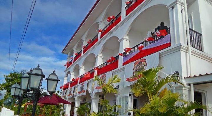 美しい建物外観が魅力的なホテルです。