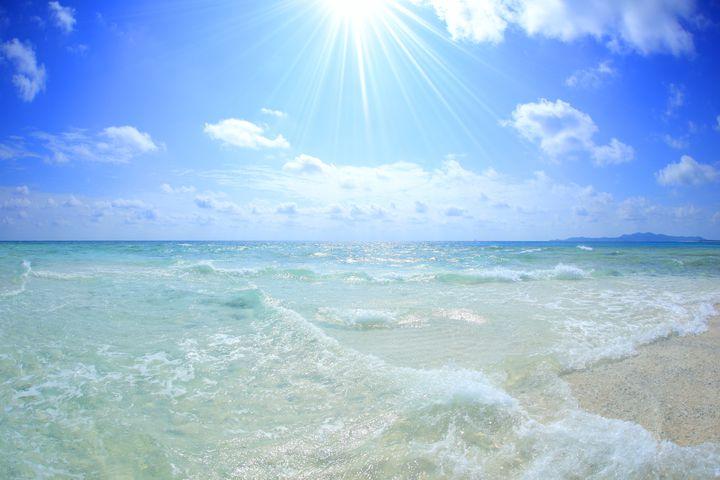 東洋一は沖縄にあった!久米島の青き秘境「ハテの浜」の美しさに驚嘆