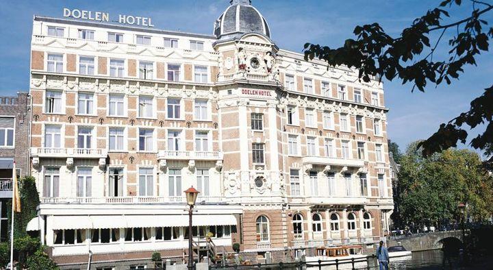 アムステル川沿いに位置する17世紀築のアムステルダム最古の5つ星ホテル