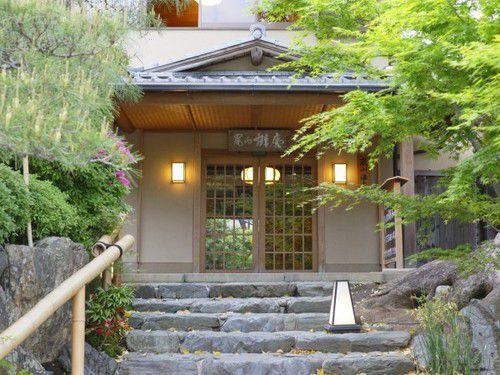 ようこそ京都嵯峨野へ!目前にそそり立つ「竹林の道」が凄すぎる!