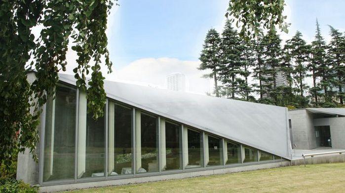 【素敵なインテリアで贅沢なティータイムを!】建築家・安藤忠雄 設計のカフェ 5選