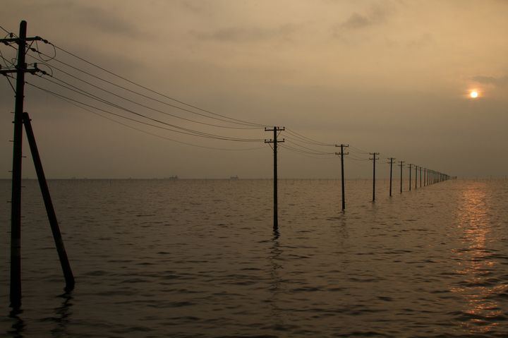 千葉県のウユニ塩湖!「金田海岸」が幻想的な雰囲気を醸し出している