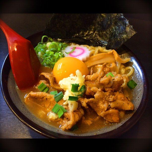 """たまにはガッツリ食べたいの!東京都内の""""肉々しいラーメン""""店5選"""