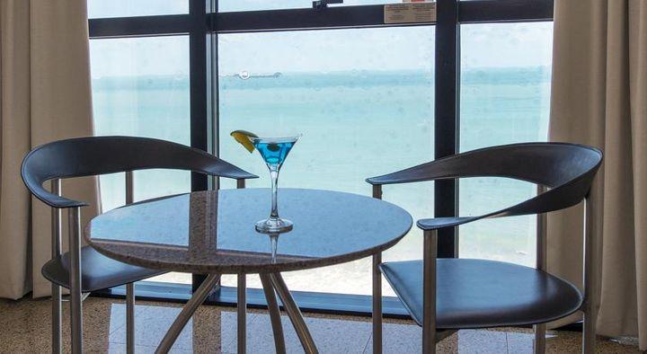 メイレレスビーチの海辺という絶好のロケーションに位置する4つ星ホテル